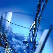 Consejos para Bajar de Peso - tomar agua templada-caliente